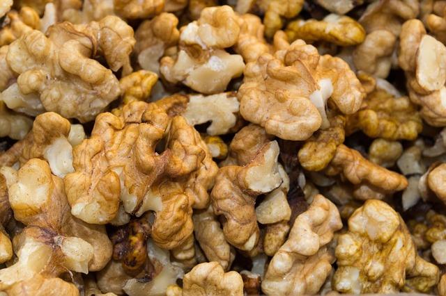 walnuts-57301_640